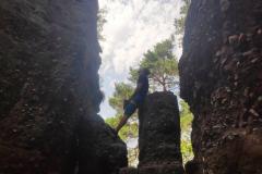 Tima-Travels Klettertag NRW Kletterern in Nideggen